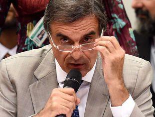 Cardozo, advogado-geral da União, na comissão.