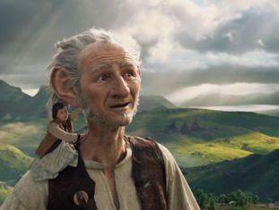 Apesar da sua vocação e do seu incontestável talento, Spielberg, tão interessado na mitologia infantil, às vezes escorrega ao falar desses mundos