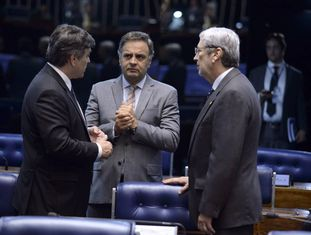 Os opositores Cunha Lima, Aécio e Imbassahy, no Senado.
