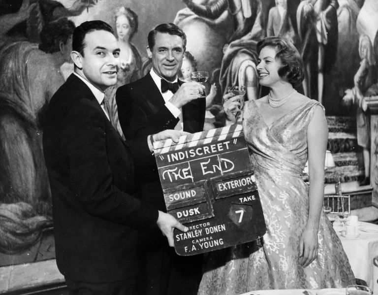 Stanley Donen dá a claquete final em 12 de fevereiro de 1958 de 'Indiscreta', com Cary Grant e Ingrid Bergman.