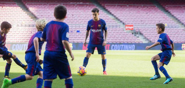 Coutinho, em sua apresentação no Camp Nou.