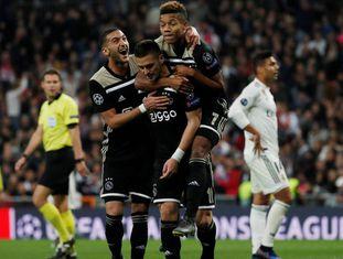 Ziyech, Tadic e David Neres marcaram para o Ajax na goleada sobre o Real.