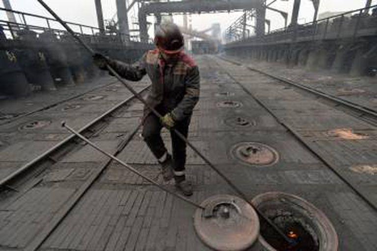 Operário da planta de carvão de Avdiivka na quinta-feira.