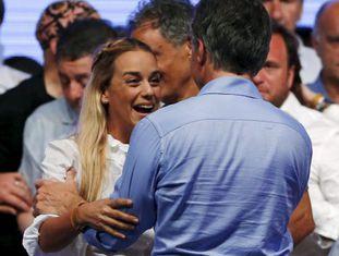 Lilian Tintori festeja com Macri sua vitória eleitoral.