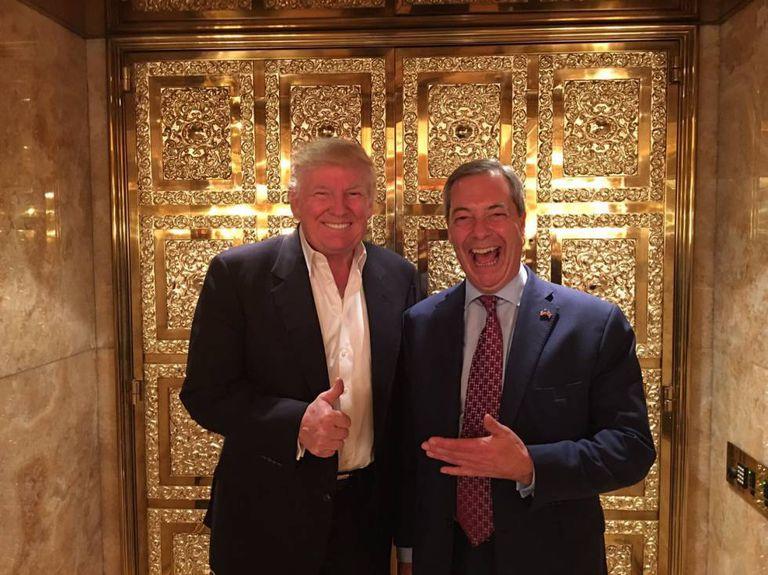 Trump e Farage no elevador da Trump Tower, em Nova York.
