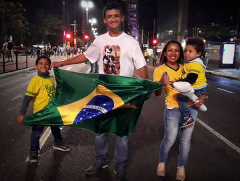 Alípio e família, do Piauí para a Paulista.
