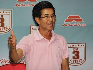 José Alzir Flor da Silva, gerente de futebol do Club Atlético 3 de Febrero.