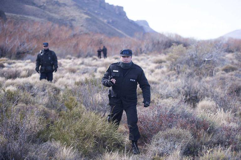 Rastrillaje nas cercanias do rio Chubut para buscar a Santiago Maldonado.