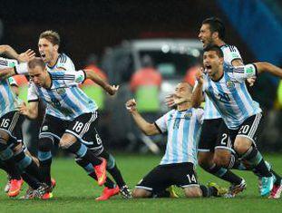 A Argentina comemora sua classificação.