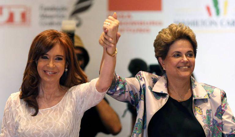 Cristina Kirchner e Dilma Rousseff em evento em São Paulo.