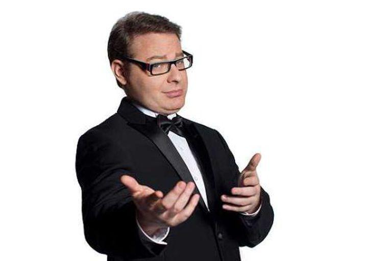 Kuschevatzky, preparado para a transmissão do Oscar.