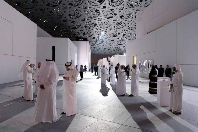 Vista geral do Museu do Louvre de Abu Dhabi.