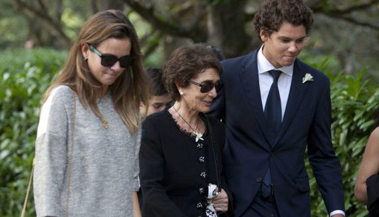Paloma O´Shea, com dois de seus netos