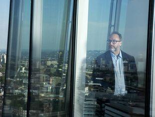 Jimmy Wales, fundador da Wikipedia, fotografado em Londres.