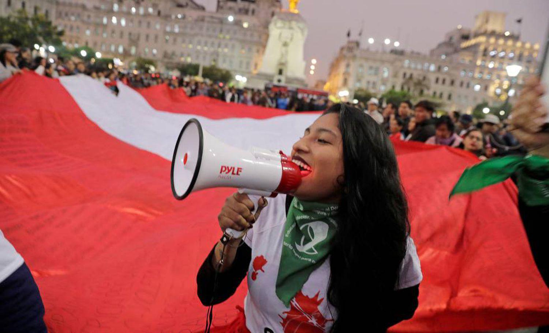 Simpatizantes do presidente de Peru, Martín Vizcarra, em protesto na última quinta-feira.