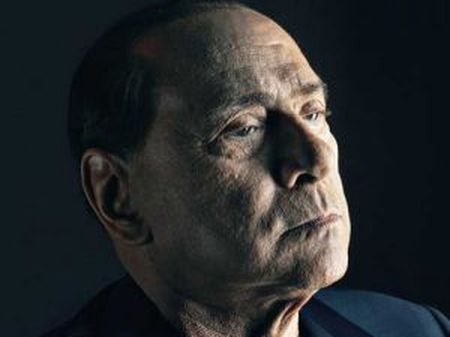 Capa da revista The Sunday Times Magazine com foto de Silvio Berlusconi.