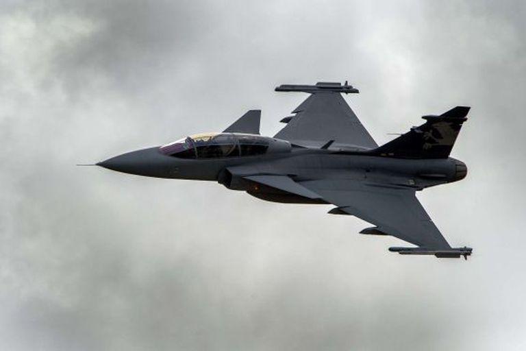 O modelo Gripen, adquirido pelo Brasil. AFP PHOTO / FABRICE COFFRINI