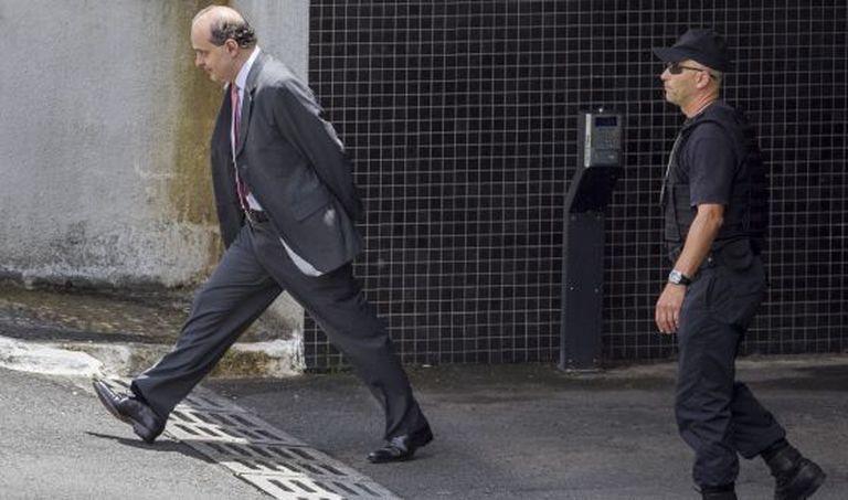 Presidente da Camargo Corrêa, Dalton Avancini deixa Superintendência da PF em Curitiba em fevereiro para mais um depoimento na Justiça Federal do Paraná. Ele é o mais recente empreiteiro detido a aceitar o acordo de delação premiada.
