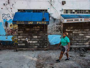 Moradores desocupam imóveis na região da cracolândia, em SP.