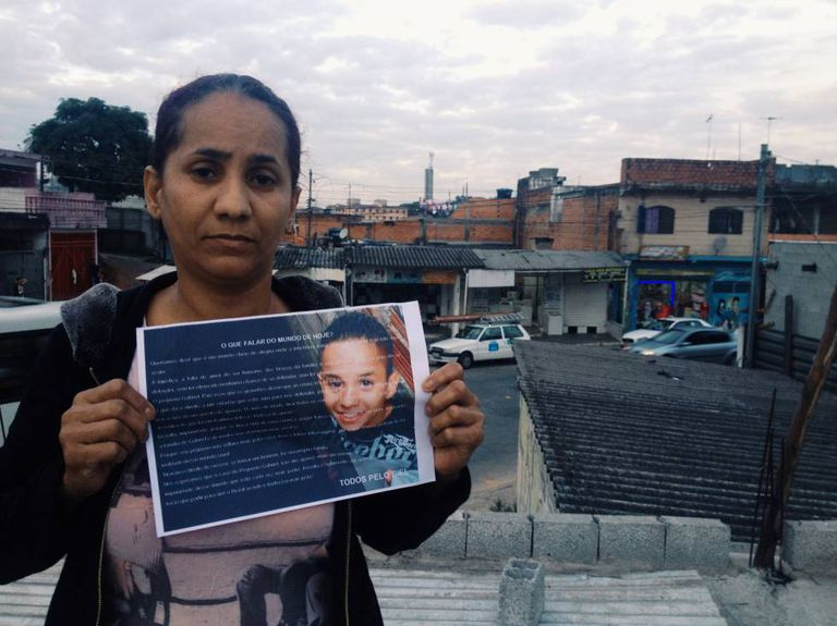 Orlanda Silva, mãe do menino Waldik, de 11 anos, morto depois de uma perseguição policial
