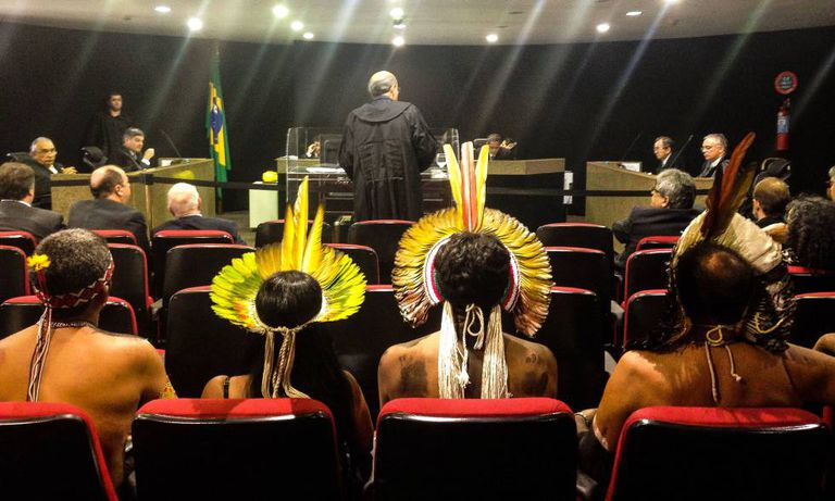Indígenas da etnia Kariri Xocó, de Alagoas, participam de julgamento sobre demarcação de terras em 2016.