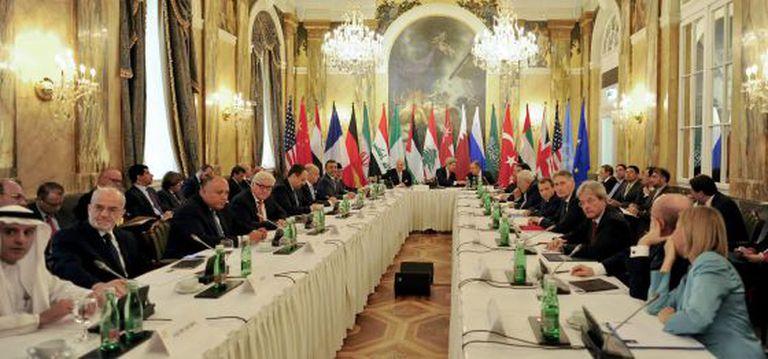 Participantes da conferência internacional sobre o conflito na Síria realizada em Viena nesta sexta-feira.