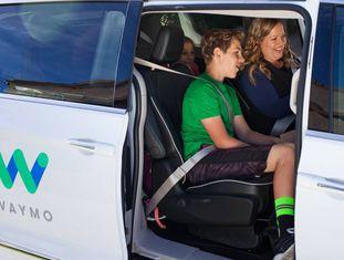 Uma das primeiras famílias a testar os veículos autônomos.