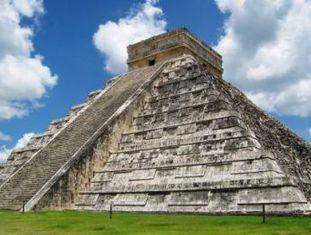 Estrutura descoberta por arqueólogos contém um altar intacto e está sobre um poço sagrado