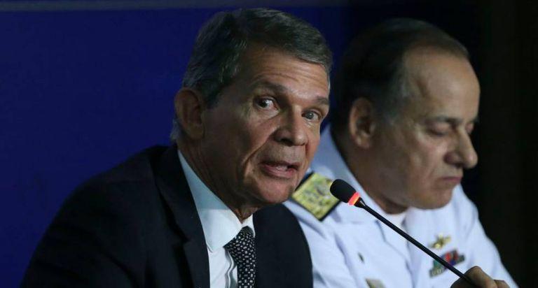 Ministro da Defesa, general Luna, e o almirante Aldemir Sobrinho.