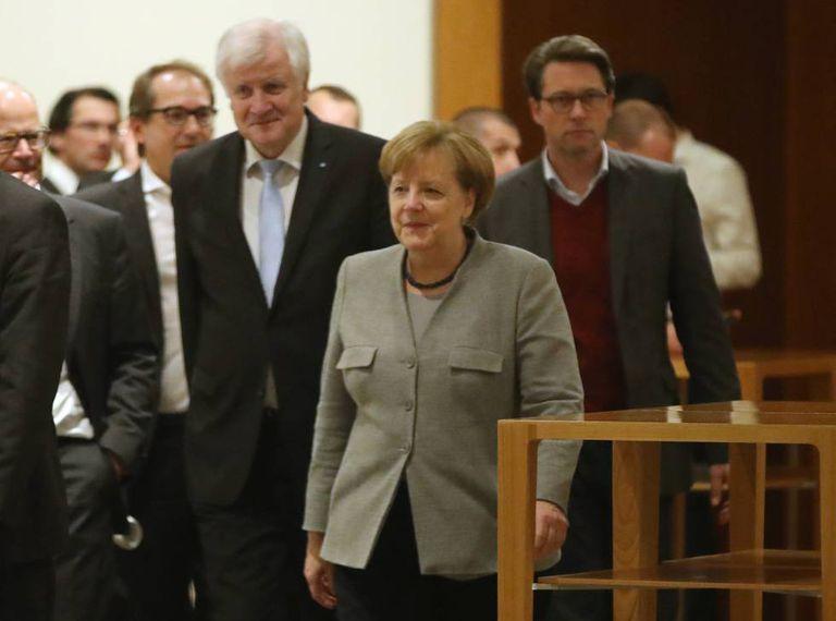 Merkel, durante a reunião com liberais e verdes.