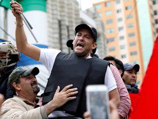 Luis Fernando Camacho durante um protesto contra Evo Morales este domingo.