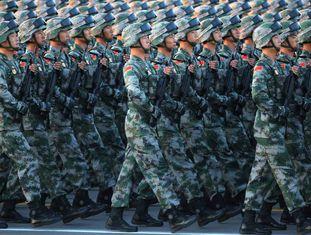 Desfile militar na praça da Paz Celestial (Tiananmen), em Pequim.