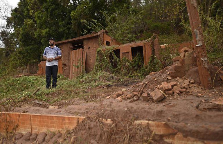 Morador de Gesteira, a 60km de Mariana, perdeu a casa após a onda de lama.