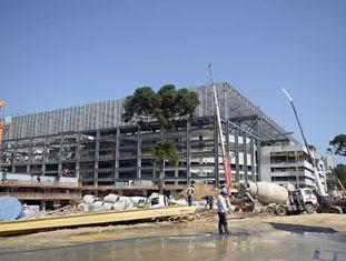 Obras na Arena da Baixada, em Curitiba, em 21 de janeiro.
