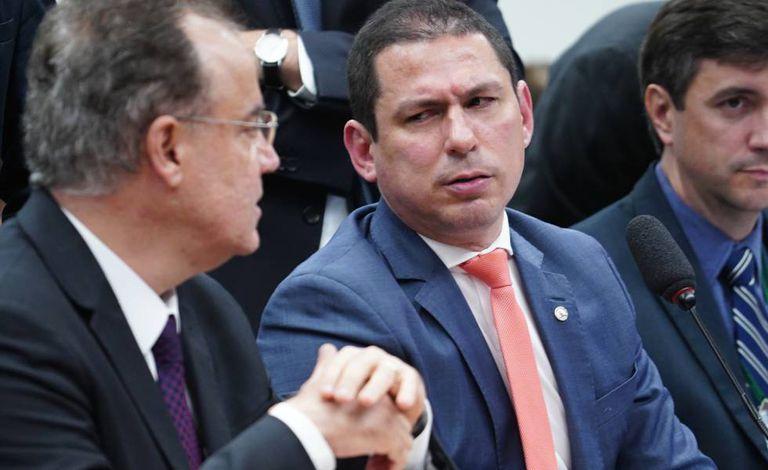 Relator Samuel Moreira (PSDB) e o presidente da comissão especial da reforma da Previdência Marcelo Ramos (PL).