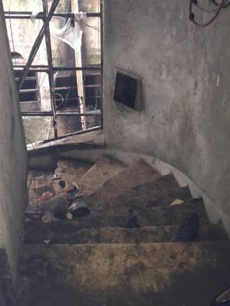 Escadarias de acessos aos andares.