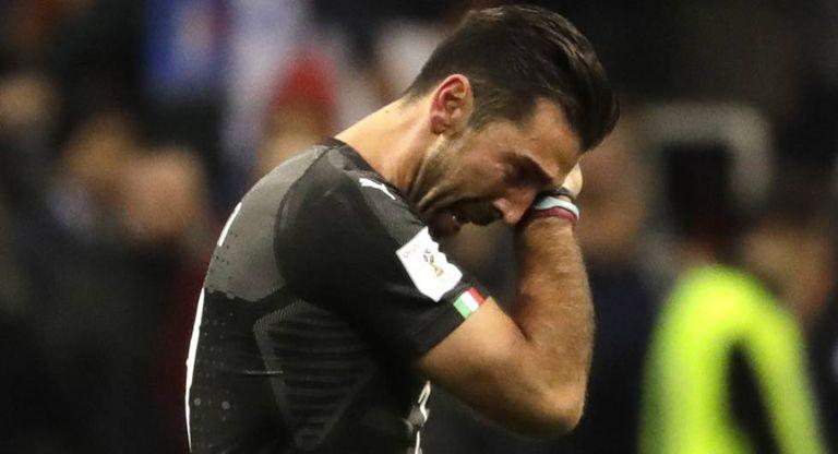 Buffon chora depois da eliminação.