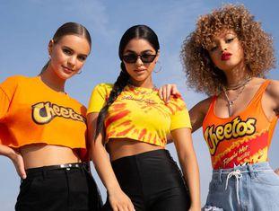 Coleção da Forever 21 em parceria com a Cheetos, lançada em junho.