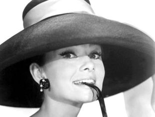 Retrato de Audrey Hepburn durante a filmagem de 'Bonequinha de luxo'.