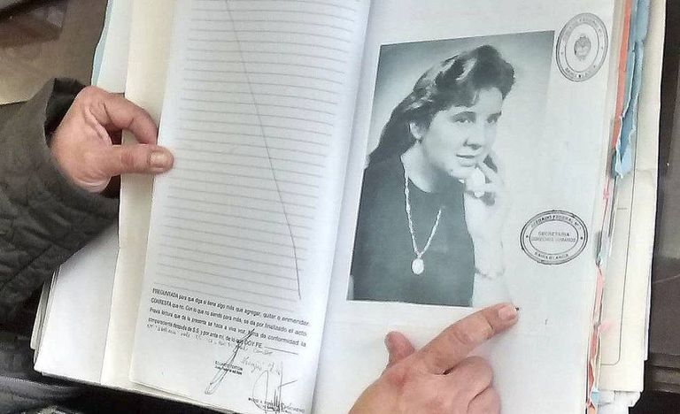 Detalhe do arquivo sobre a desaparecida ítalo-argentina Rafaella Filipazzi, identificada na Argentina em agosto de 2016, quase 30 anos depois de seu assassinato.