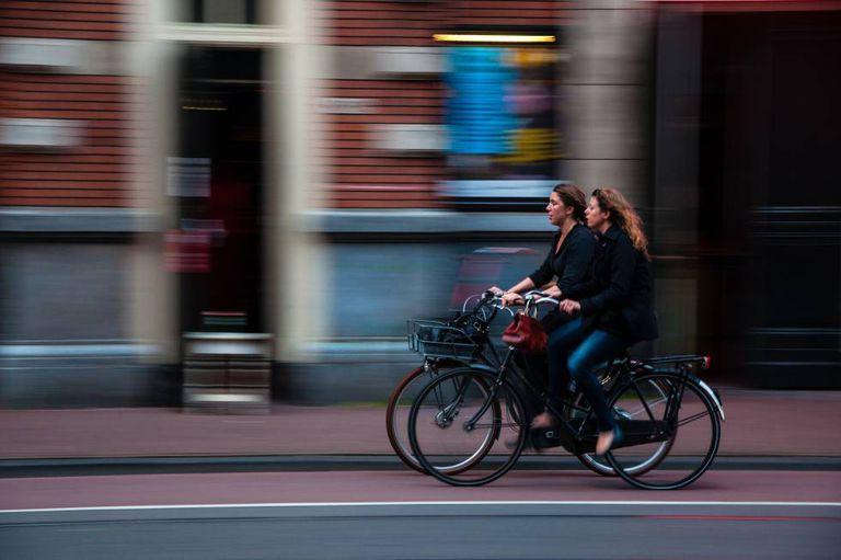 Estudo analisou os efeitos de exercícios moderados, como passear de bicicleta.