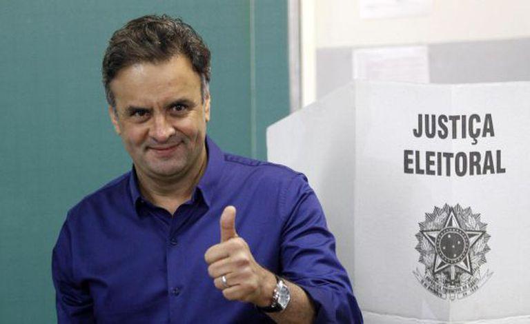 Aécio, depois de votar em Belo Horizonte.