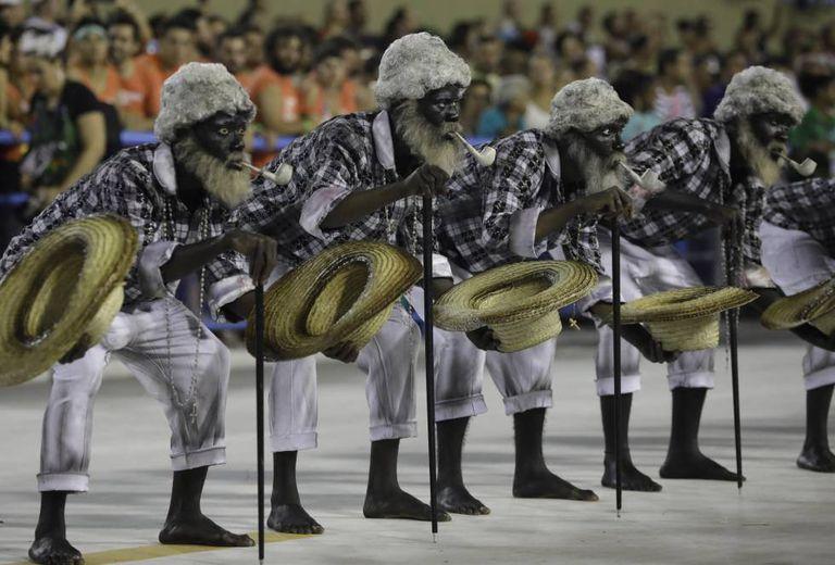 Desfile da escola Paraíso do Tuiuti, que fez um desfile protesto no Rio de Janeiro.