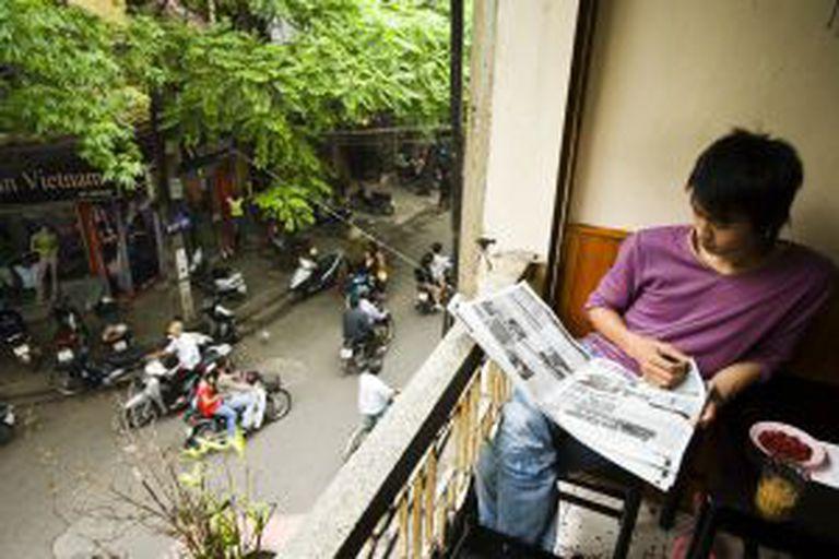 Café da manhã no Cafe Nang, no bairro antigo de Hanoi (Vietnã).