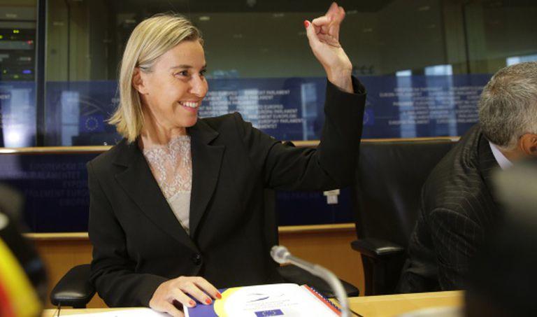 A nova responsável pela diplomacia europeia, a ministra italiana de Relações Exteriores Federica Mogherini, em uma reunião ministerial em Bruxelas.