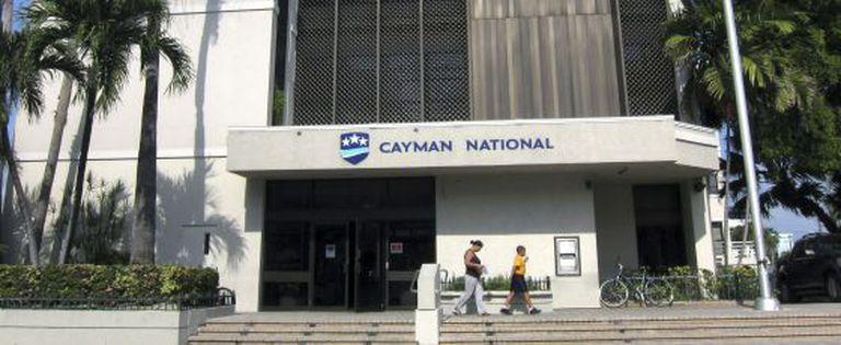 Fachada do banco nacional das Ilhas Caim?n, en George Town.