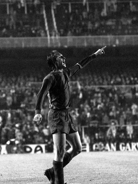 Cruyff, durante um Real Madrid x Barcelona em 1976.