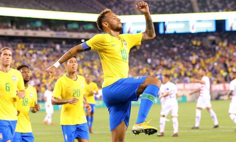Neymar comemora o segundo gol do Brasil contra os Estados Unidos.