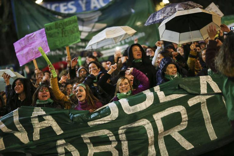 Manifestantes favoráveis ao aborto legal em Buenos Aires.