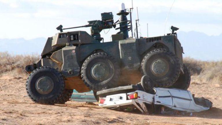 Veículo militar autônomo conhecido como Crusher (Esmagador).